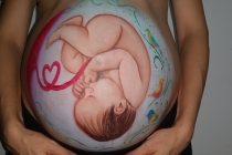 8 iznenađujućih stvari koje beba radi dok je u stomaku