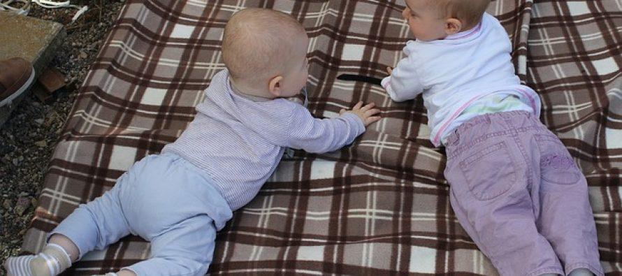 """Da li bebe imaju svoj """"bebeći"""" jezik?"""