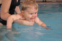 Kada je vreme da dete počne da uči da pliva?