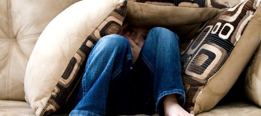 Dolazak bebe u dom: Kako sprečiti ljubomoru starijeg deteta?