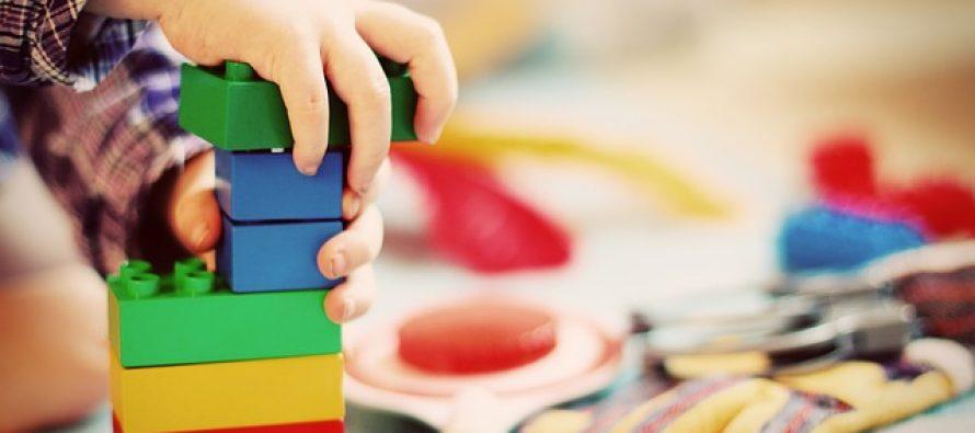 Kako pomoći detetu da navikne samostalno da se igra?