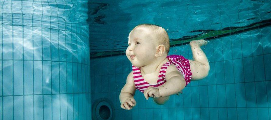 Na koji način približiti plivanje detetu?