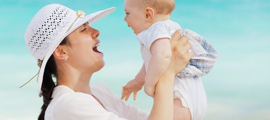 Na kojoj strani nosite bebu?