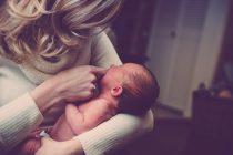 Može li novorođenče da prati brze pokrete?