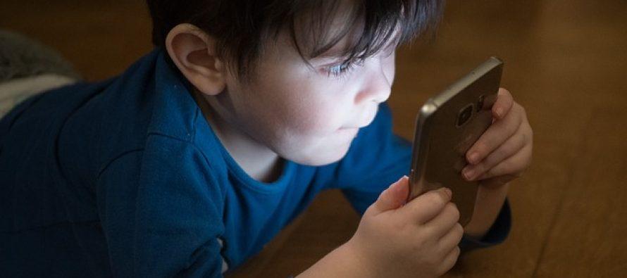 """Kako odvići dete od """"pametnih uređaja""""?"""