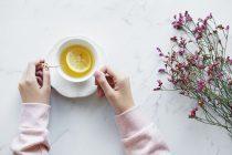 Da li bebe smeju da piju biljni čaj?