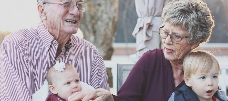 Da li baba i deda mogu da budu strogi?